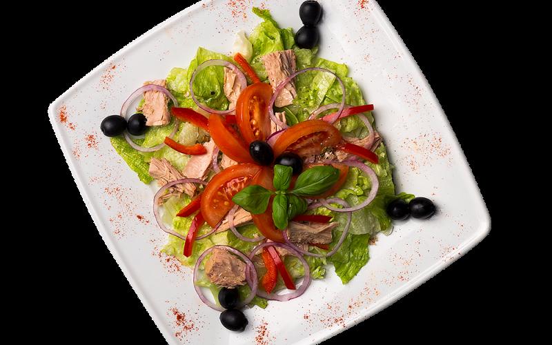 Adios - sałata lodowa, pomidor, papryka, czerwona cebula, czarne oliwki, tuńczyk, sos vinaigrette
